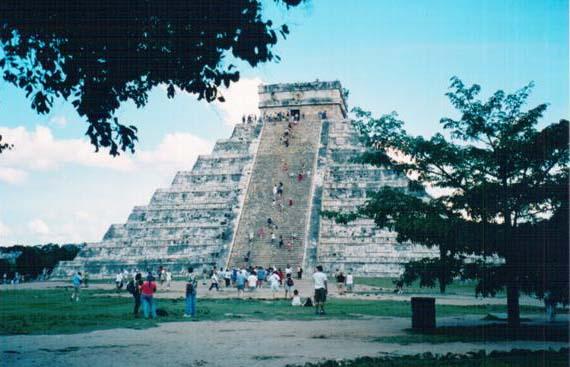 25 Piramida Feljton